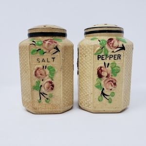 Other - Salt Pepper Shakers Roses Japan Collectible